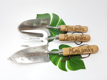 mums garden set of three garden tools personalised trowel planter and fork 3