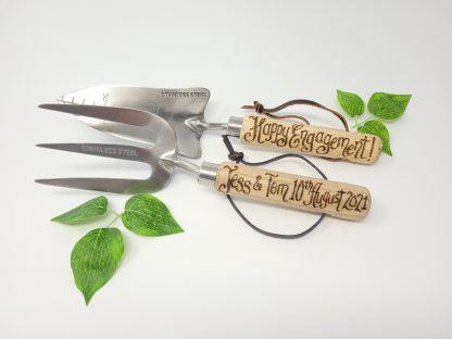 happy engagement personalised garden tools2