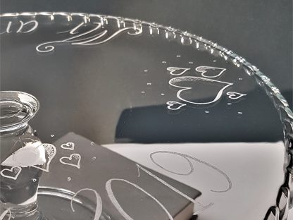 personalised cake stand with heart design